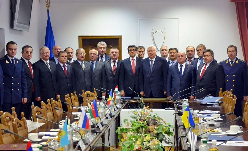 У Харкові люстрували 6 прокурорів