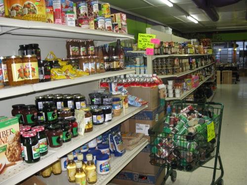 У Львові активісти промаркували російські товари у маленьких магазинчиках