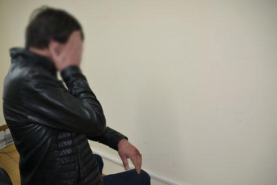 У одного из убийц львовского милиционера, от ударов в крови разбита рук