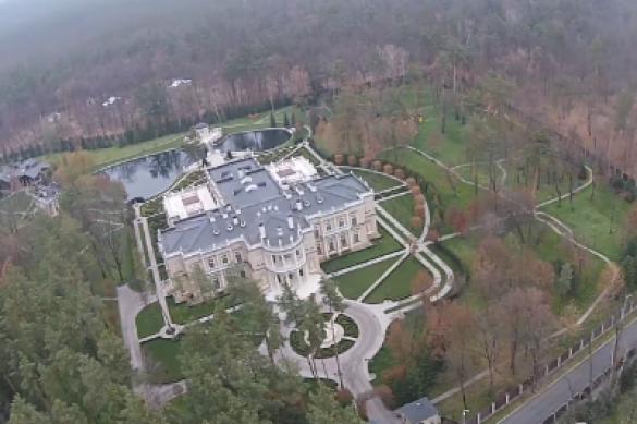 В Сети появилось видео роскошных дворцов Охендовского под Киевом