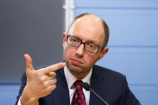 """Битва за Кабмін: Яценюк прибрав до рук """"ключові"""" посади"""