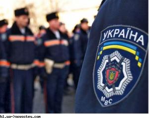 Яценюку радять наполягати на міністрові внутрішніх справ