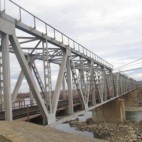 На Львовщине 15-летняя девушка совершила смертельное Селфи с моста