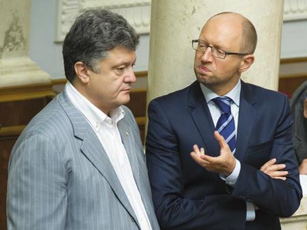 Порошенко і Яценюк нарешті домовилися про спікера, але не можуть поділити крісло Авакова