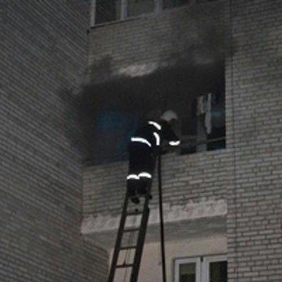 У львівській багатоповерхівці горіла квартира (ВІДЕО)