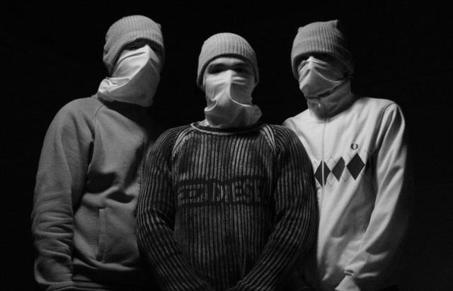 """У Луцьку """"народні месники"""" побили комуністів у """"таємному офісі"""" в гаражі"""