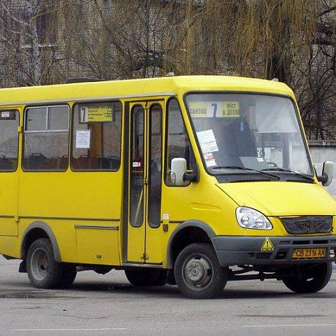На Львовщине двое пассажиров выпали из автобуса по неосторожности