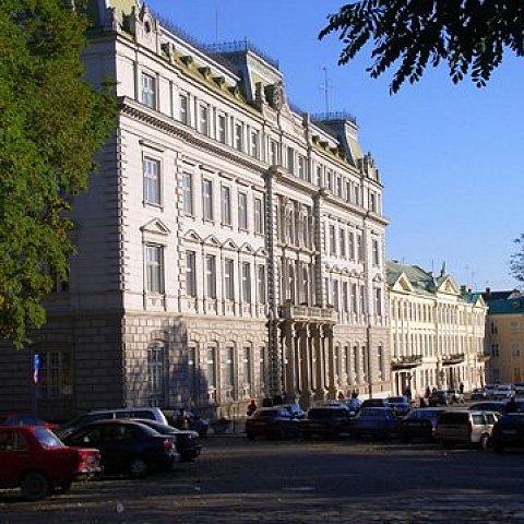 У Львівській облраді запропонували ліквідувати автодори
