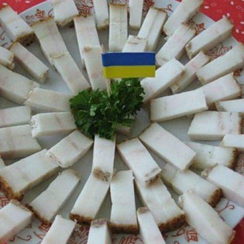"""Терористи визнали українське сало """"наркотиком"""" та заборонили його (ВІДЕО)"""