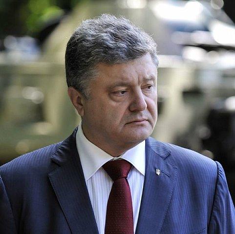 В годовщину революции достоинства в Киеве освистали Порошенко (ВИДЕО)