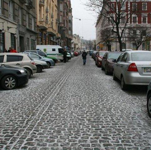 Парковка в центре Львова может вдвое подорожать
