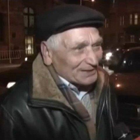 """Львовский пенсионер подарил """"Айдару"""" собственную """"Волгу"""""""