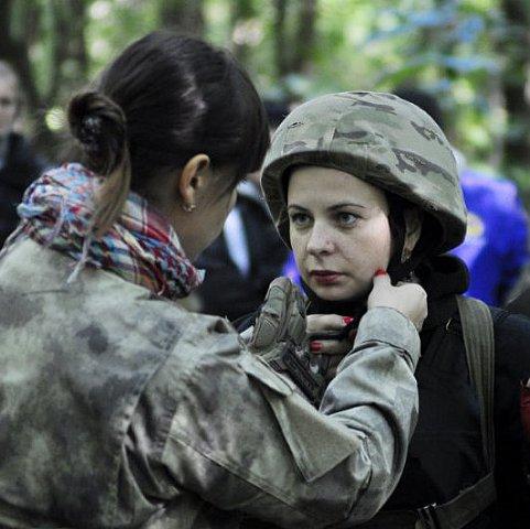 Львів'янки проходять військовий вишкіл
