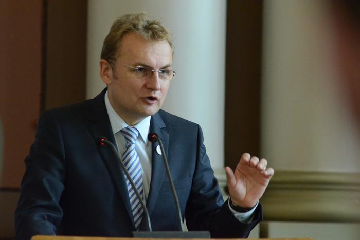 У мера Львова нарахували 22 радника, про яких нема відкритої інформації