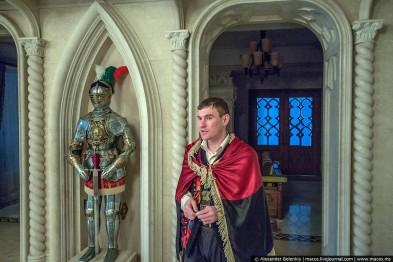 Музей корупції: екскурсії у Межигір'ї проводить львів'янин на прізвисько Привід (ФОТОРЕПОРТАЖ)