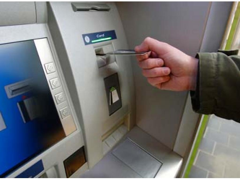 В одном из супермаркетов Львова взорвали банкомат