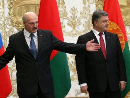 Стало известно, когда встретятся Порошенко и Лукашенко