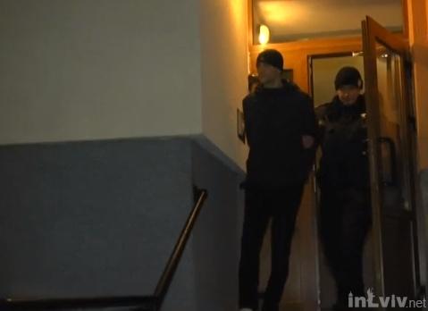 У Львові серійного квартирного злодія відпустили під домашній арешт