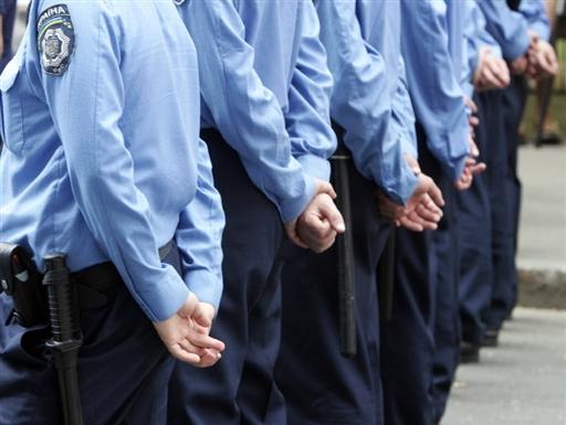 Міліціонерів стане менше, а платитимуть їм більше