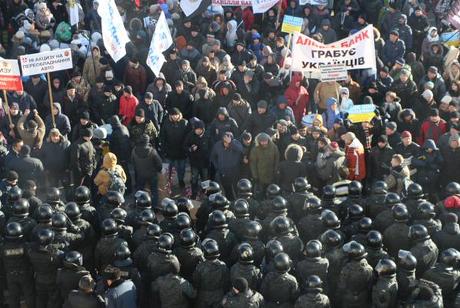 Нові Майдани: Під Радою обурені українці влаштували кілька протестів (ФОТО)