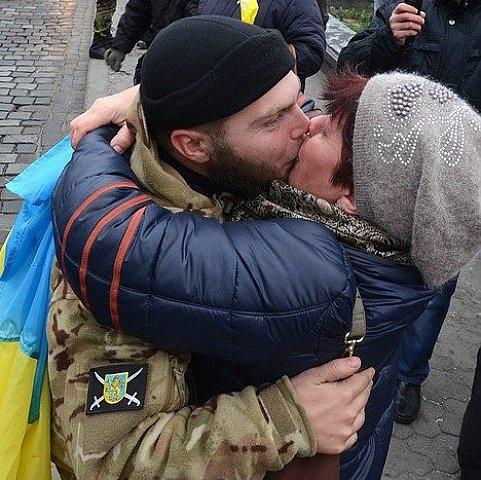 У центрі Львова зустріли бійців 3-го батальйону тероборони