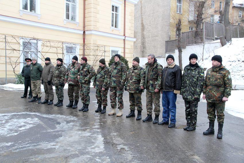Виконавши святий обов'язок. До Львова повернулись медики, які рятували життя бійцям АТО
