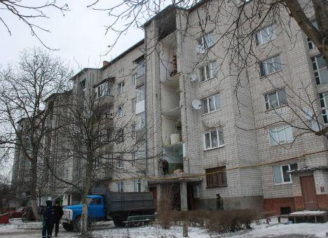 Опубліковано відео житлового будинку у Ходорові, в якому обвалилася частина стіни
