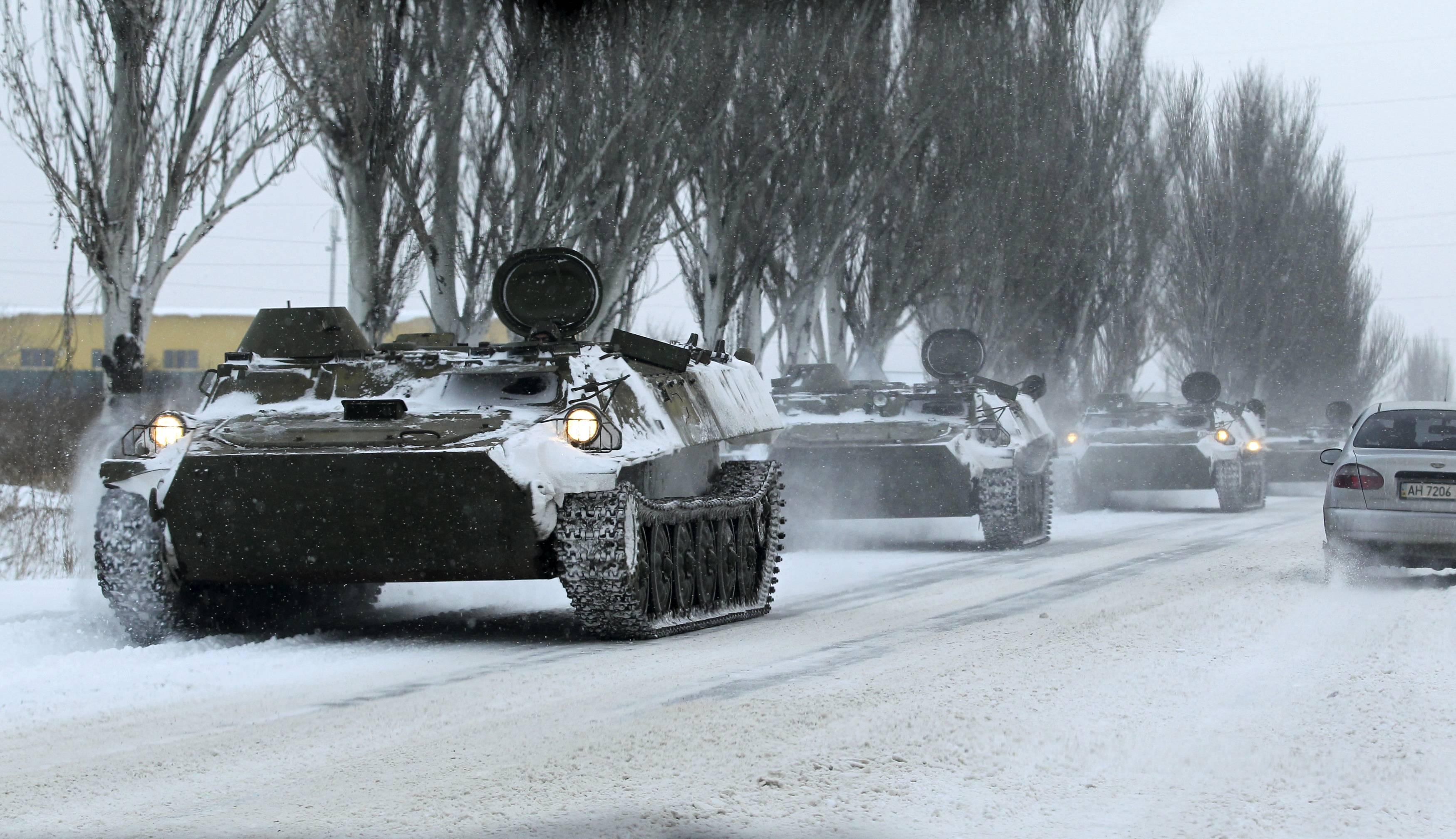 В Украину вторглись еще 2 тысячи военных РФ с техникой – Порошенко