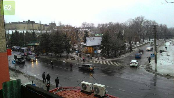 У Донецьку снаряд потрапив в зупинку: 13 загинуло та 10 поранені – ЗМІ