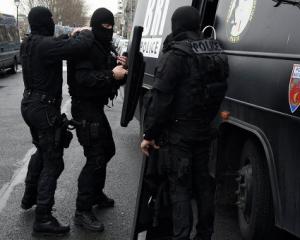 Поліція Франції заблокувала терористів у приміщенні цеху