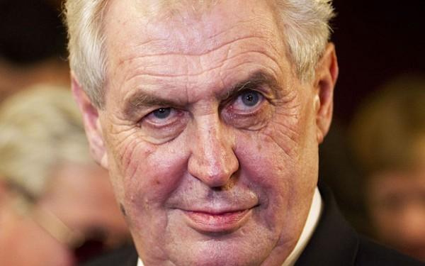 Президент Чехии придумал цитату Бандеры