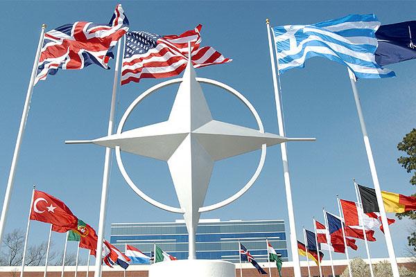 НАТО начали военные учения в Черном море