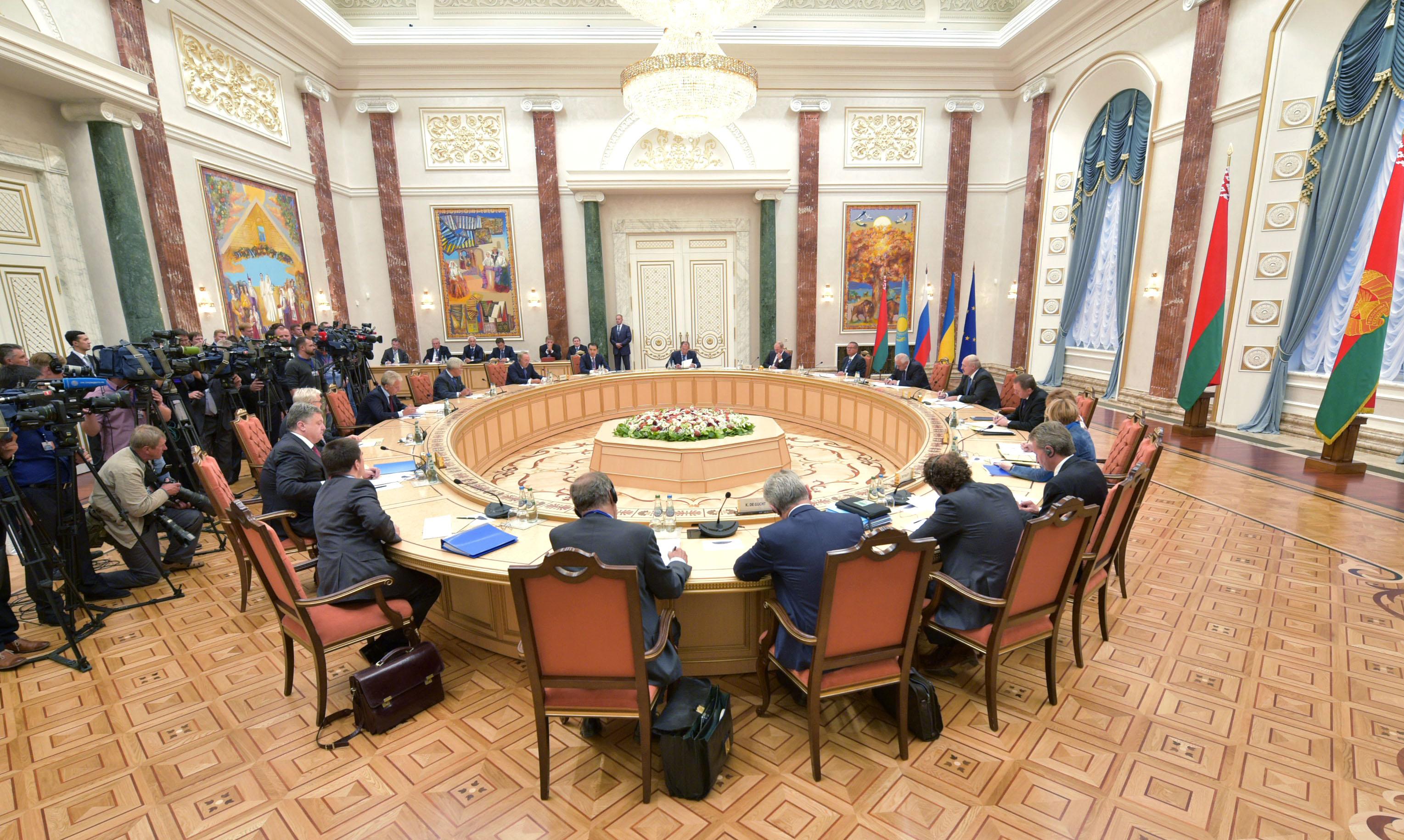 Завтра збереться контактна група щодо врегулювання ситуації на Донбасі