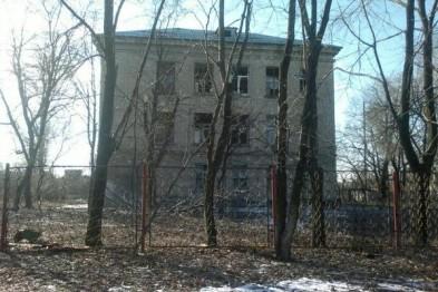 У Донецьку в результаті артобстрілу пошкоджена школа і житловий будинок