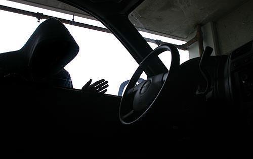 У Львові діяла банда, яка викрадала дорогі автівки