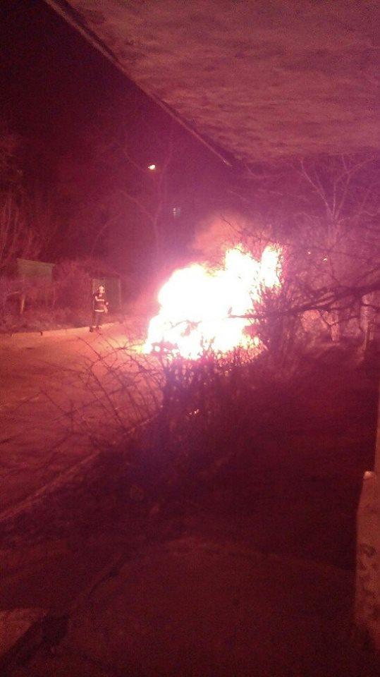 Вчора у Львові невідомі підпалили авто