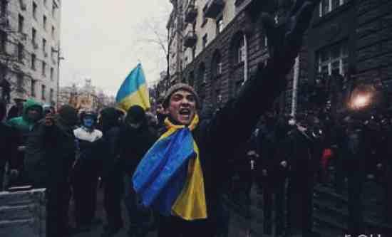 В Киеве продолжаются протесты: Крещатик перекрыт (ФОТО)