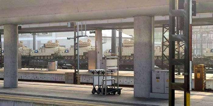 США відправили в Україну 50 танків Bradley (ФОТО)
