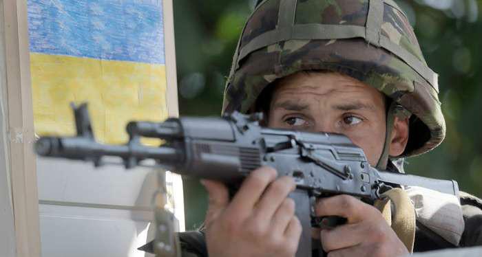 Терористи обстріляли Трьохізбенку: поранено 2-х військових