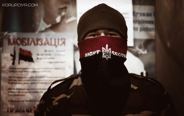 """Ярош хоче перетворити """"Правий сектор"""" на штурмову бригаду"""