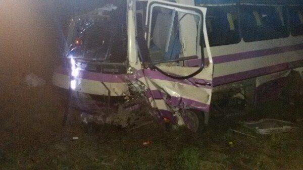 На виїзді зі Львова зіткнулася маршрутка із іномаркою: є постраждалі (фото)