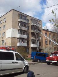 У Львові вщент згоріла квартира: сім'я залишилася без житла (фото)