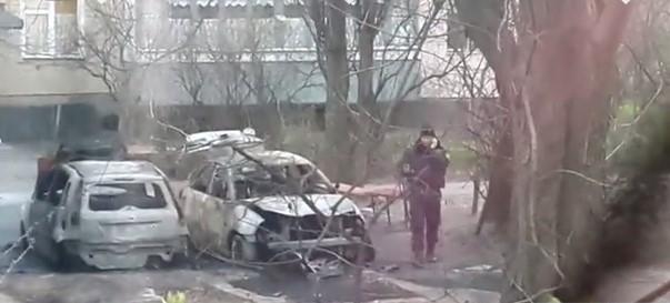 ЗМІ: у Києві вночі згоріли два автомобілі, очевидці повідомляють про вибух