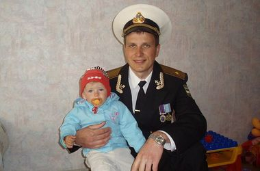 За вбивство українського офіцера в Криму російський сержант отримав два роки