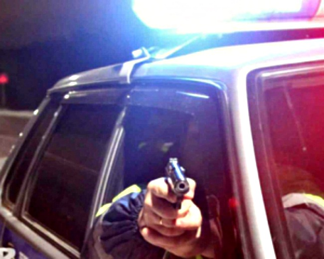 Ночная погоня в Харькове: стрельба и ДТП (ВИДЕО)