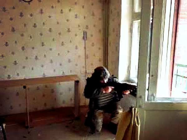 """""""Киборги""""-юмористы: как боец стрелял у террористов из лука. Видеофакт"""