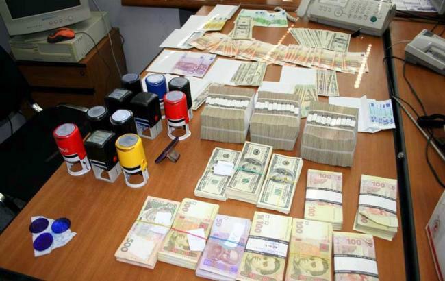У Києві ліквідовано конвертцентр з обігом майже 3 млрд гривень