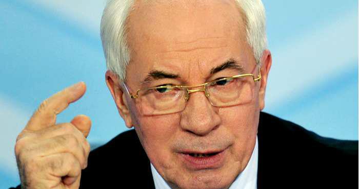 Азаров виправдав втечу Януковича та назвав винних у конфлікті в Україні