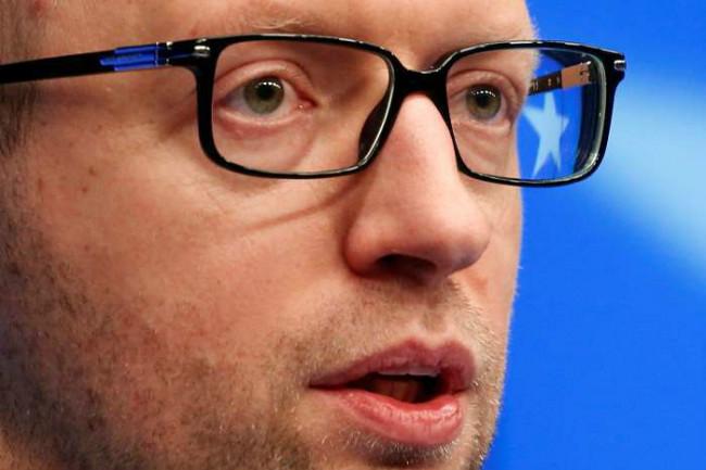 Луценко: Яценюка решили не отстранять