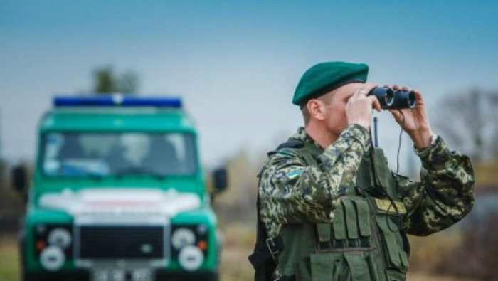 В Меловом террористы взорвали автомобиль с пограничником